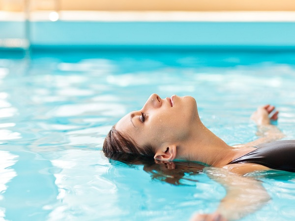 Hướng dẫn chi tiết cách tập bơi cho người mới bắt đầu