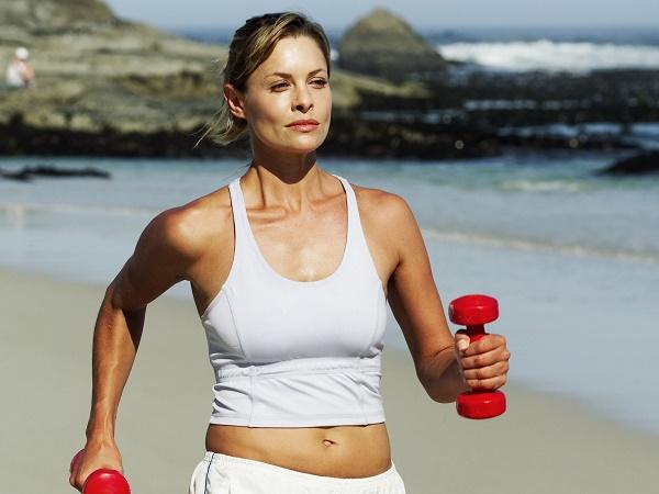 Cách tập tạ tay 5kg tại nhà đơn giản giúp tăng cơ giảm mỡ hiệu quả
