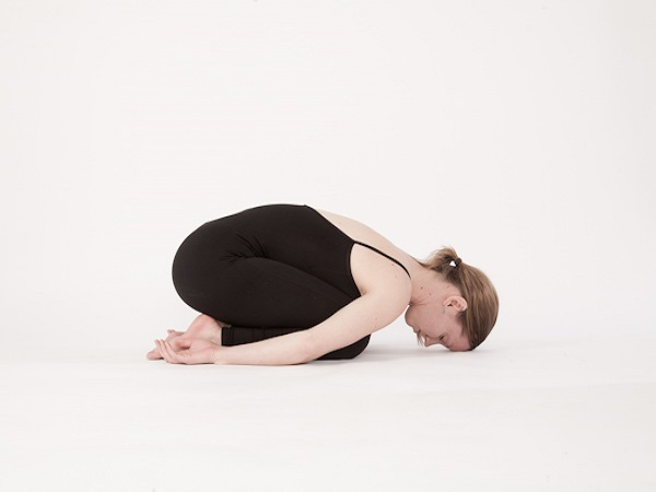 Các bài tập yoga chữa mất ngủ hiệu quả nhất bạn nên thử